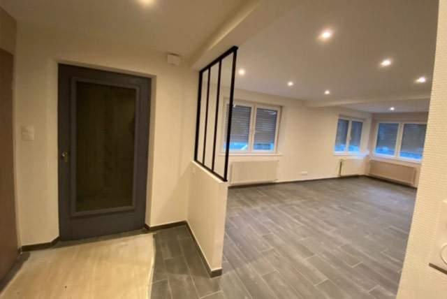 Rénovation complète de l'intérieur d'une maison et aménagement d'un grenier en pièces à vivre - MV Service
